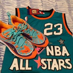 Nike sneaker and a all star jersey